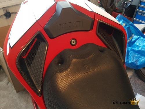 DUCATI 848 1098 1198 CARBON FIBRE SEAT UNIT CARBON AIR INTAKE VENTS IN PLAIN