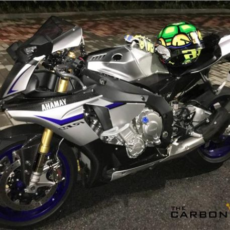 YAMAHA R1 2015 ON CARBON FIBRE RIDERS HEEL GUARDS IN GLOSS TWILL WEAVE FIBER