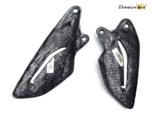 triumph-street-triple-carbon-heel-guards-underside-2012-15.jpg