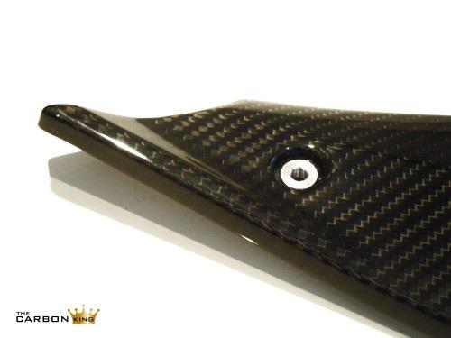 yamaha-r1-2015-carbon-fibre-side-panels.jpg
