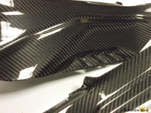 s1000rr-2019-close-up-of-side-panels.jpg